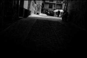 Un homme dans l'ombre -Teruel, Aragon, Espagne, Europe.