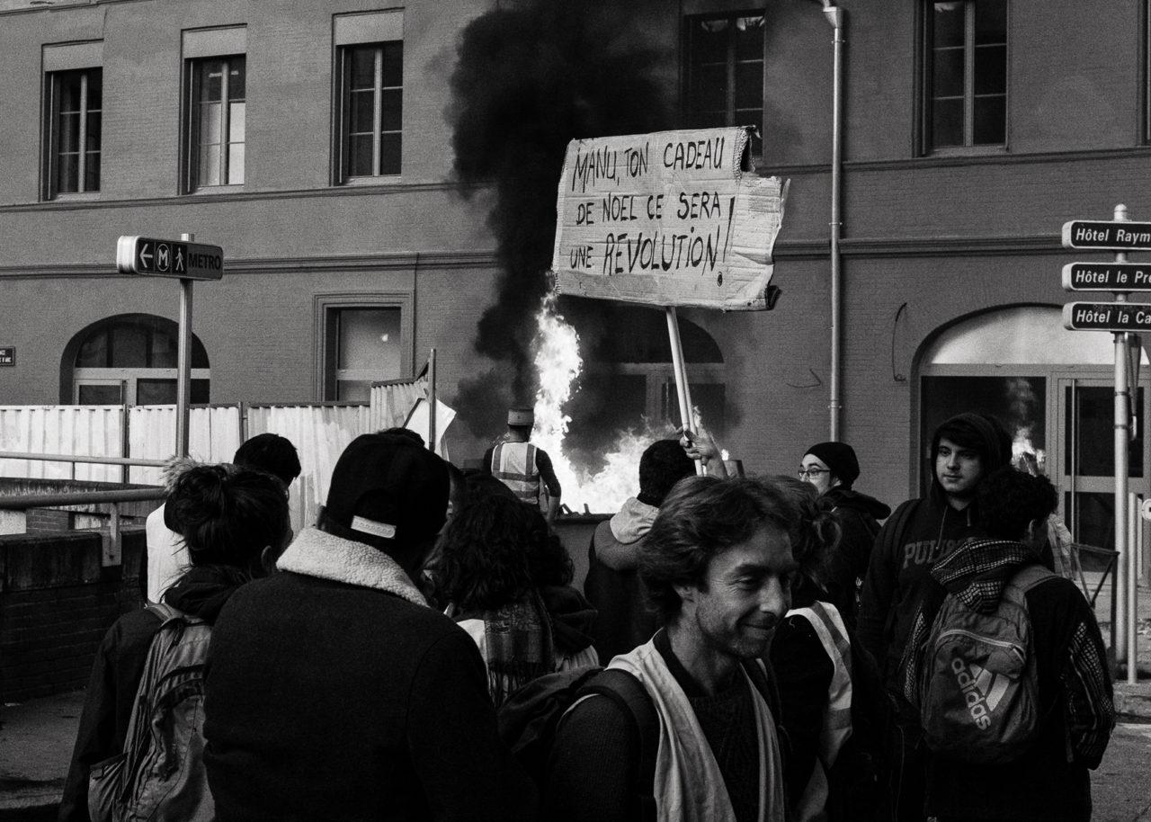 Manifestation des gilets jaunes à Toulouse le 1er décembre 2018 -Toulouse, Occitanie, France, Europe.